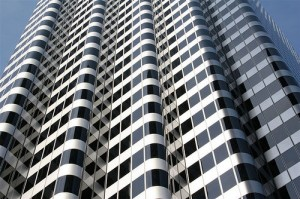 Building in downtown San Francisco by bgreenlee