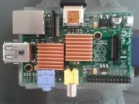 Dissipadores de calor instalados no Raspberry Pi