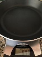 Frigideira untada e pronta a cozinhar