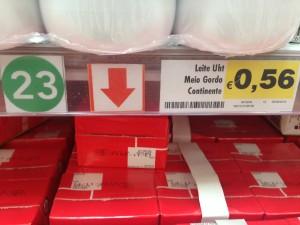 Leite meio-gordo Continente €0,56