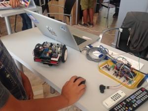 Robô comandado pelo computador