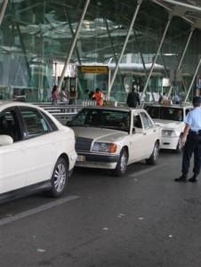 Taxis no aeroporto Lisboa (foto retirada daqui)