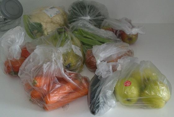 Sacos de plástico que serão reciclados para o lixo