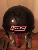 Autocolantes da Honda colocados no capacete já com o verniz